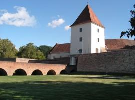 A sárvári vár a híddal